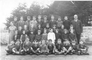 Tarland school photo (1930s)